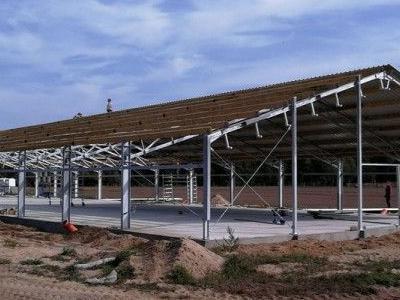 Budowa konstrukcji stalowej obornika 1