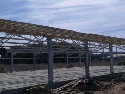 Budowa konstrukcji stalowej obornika 2