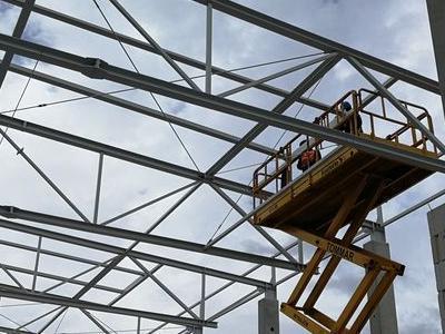Budowa hali w Plewiskach 13